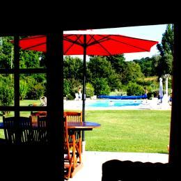 Vue sur la terrasse du Gîte Tom au sein des Gîtes Grand Pré ! - Location de vacances - Roquecor