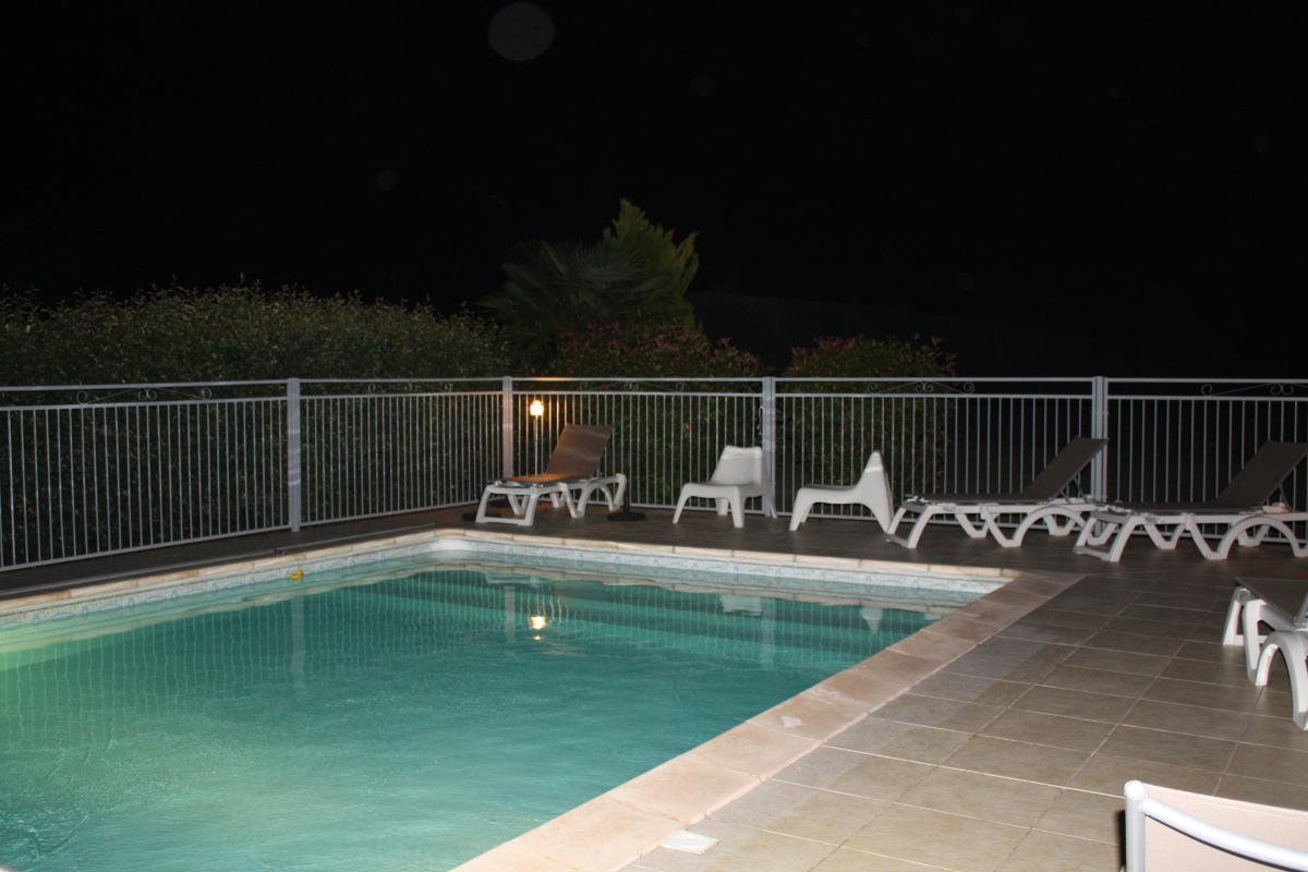 En été nos nuits sont chaudes, une baignade est possible pour se rafraîchir. - Location de vacances - Lafrançaise