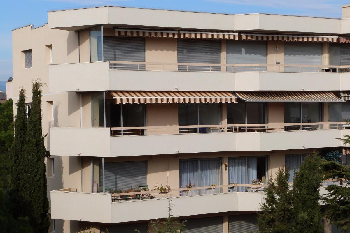 Vue de l'appartement et des terrasses - Location de vacances - Fréjus