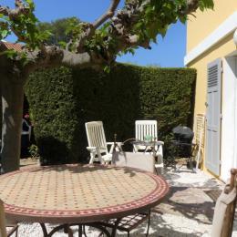 Second salon de jardin et terrasse - Location de vacances - Saint-Raphaël