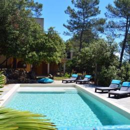 La piscine de la Villa Asunda 10 m sur 4 m  - Chambre d'hôte - Saint-Maximin-la-Sainte-Baume