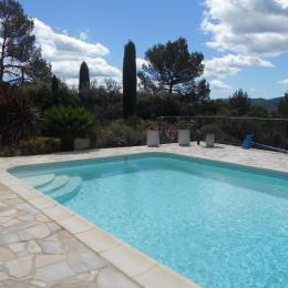 vue sur la piscine - Location de vacances - Garéoult