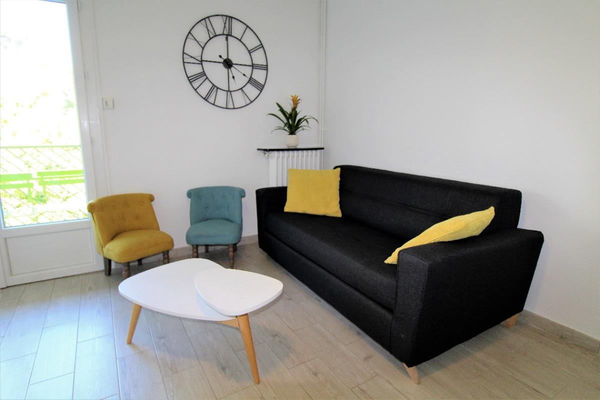 Support Tv Qui Monte Et Descend superb 3 rooms, new, portissol near hyper-center with wifi