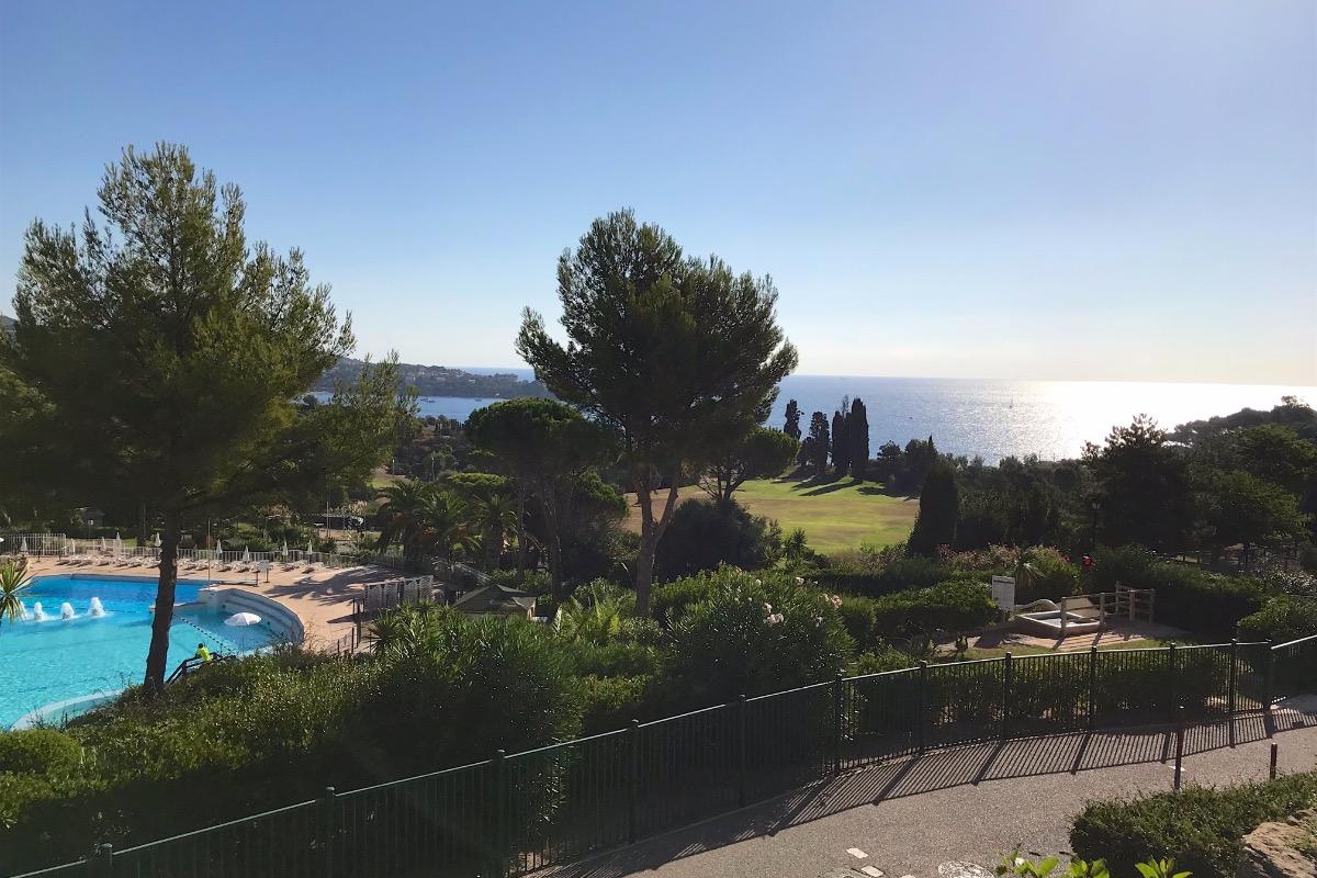 Vue depuis le jardin  - Location de vacances - Saint-Raphaël