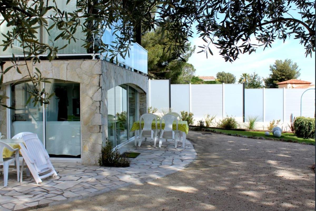 Alcibel, appartement rdc villa, 5 personnes, terrasse,  jardin clos - Location de vacances - Roquebrune-sur-Argens