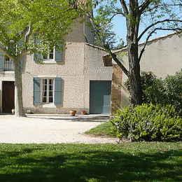 Jardin - façade sud - Location de vacances - Jonquerettes