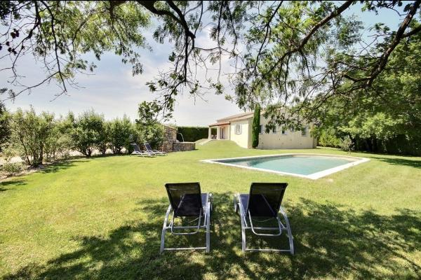 Jardin et Piscine 12.50 * 5 mètres Privés - Location de vacances - Cabrières-d'Avignon