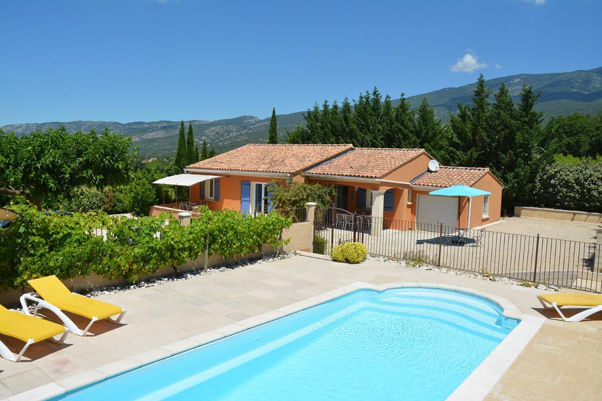 maison avec piscine privée - Location de vacances - Bédoin