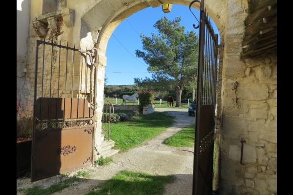 Entrée - Location de vacances - Pernes-les-Fontaines