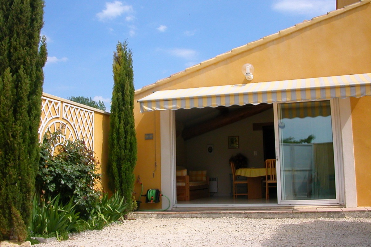 Maison LE SOLEILLANT avec entrée indépendante  - Location de vacances - L'Isle-sur-la-Sorgue