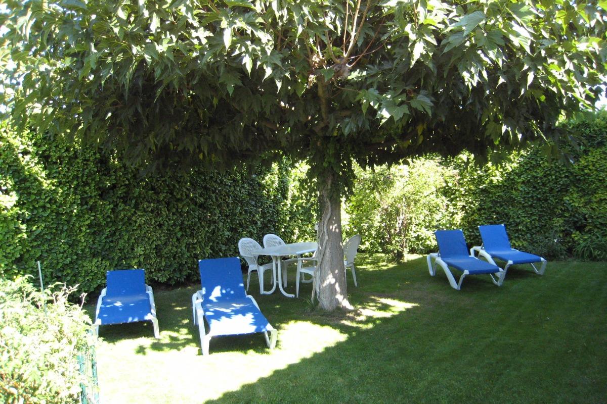 Jardin Privatif avec mobilier de jardin - Location de vacances - L'Isle-sur-la-Sorgue