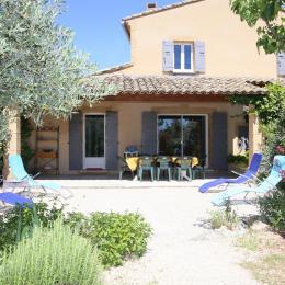 Terrasse avec partie couverte - Location de vacances - Villedieu