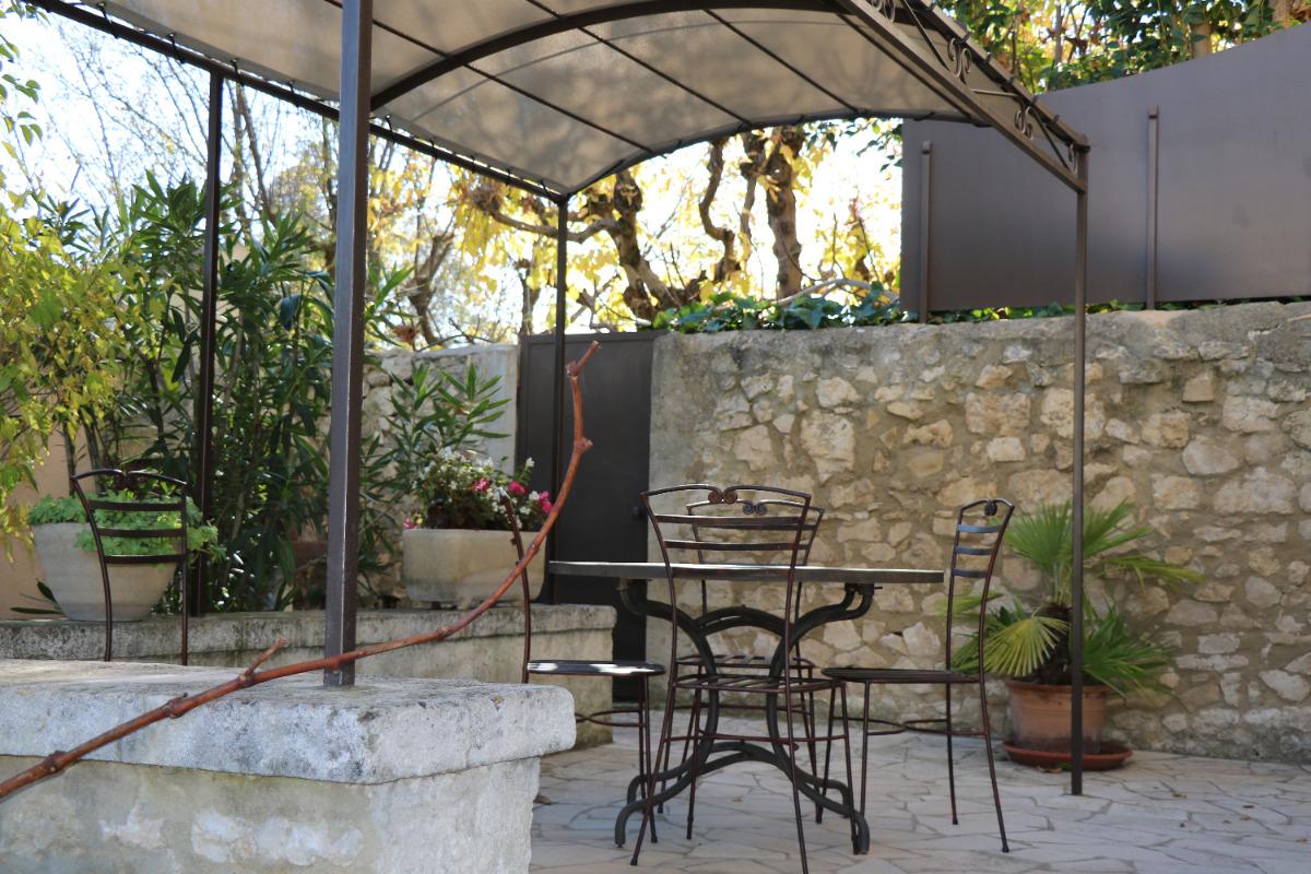L'espace repas sur la terrasse - Location de vacances - Pernes-les-Fontaines