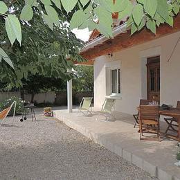 facade sud et terrasse - Location de vacances - Carpentras