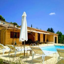 Terrasse avec Canisse et Bâche - Location de vacances - Gargas