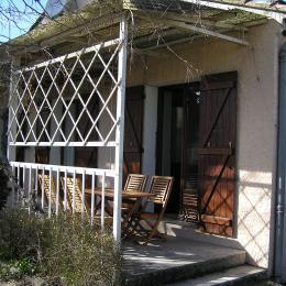 Terrasse couverte au sud (côté jardin) - Location de vacances - L'Isle-sur-la-Sorgue