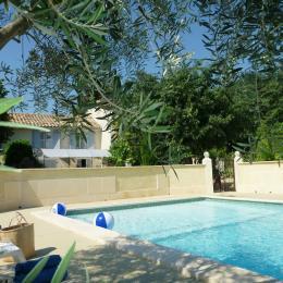 piscine partagée et exclusive aux 4 gîtes de la propriété - Location de vacances - Bollène