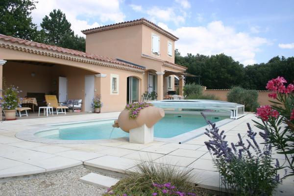 Le gîte  la piscine et son abri - Location de vacances - Bédoin
