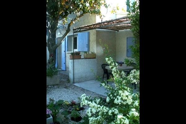 vue extérieure terrasse - Location de vacances - Avignon