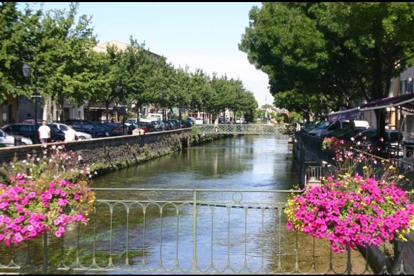 HOCQUEL Alain - Coll. CDT Vaucluse  - Location de vacances - L'Isle-sur-la-Sorgue