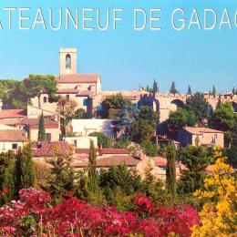 Vue du village - Location de vacances - Châteauneuf-de-Gadagne