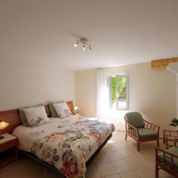 Chambre 5 lit 180 ou 2x90 rez de jardin - Location de vacances - Avignon