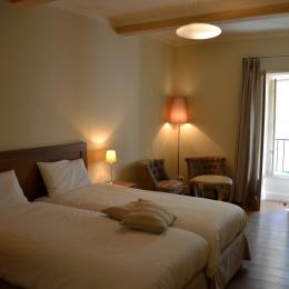 Chambre lit double - Location de vacances - Monteux