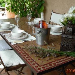 Portail - Chambre d'hôtes - Sarrians