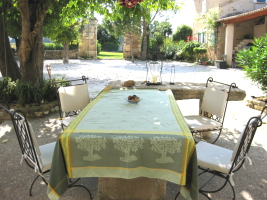 La Table  - Chambre d'hôtes - Mazan