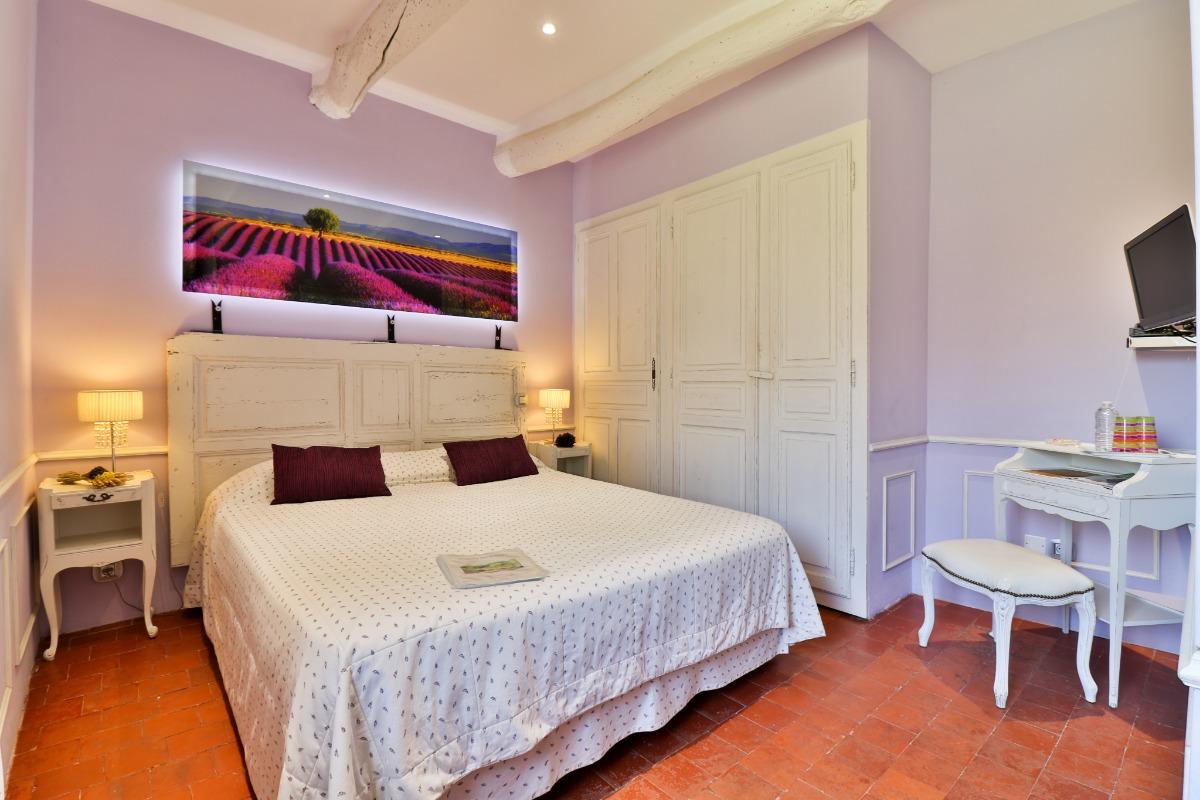 - Chambre d'hôtes - Lagnes