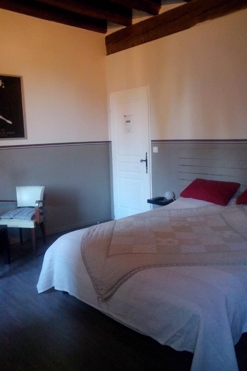 - Chambre d'hôtes - Cheval-Blanc
