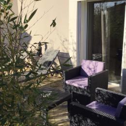Petite terrasse privative et attenante. Possibilité d'entrée indépendante. - Chambre d'hôtes - Châteauneuf-du-Pape