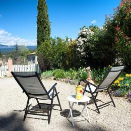 vue du jardin - Location de vacances - Villes-sur-Auzon