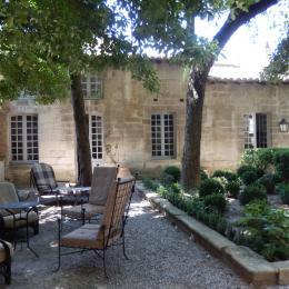 ©M.TCHAKALOFF - Chambre d'hôtes - Avignon