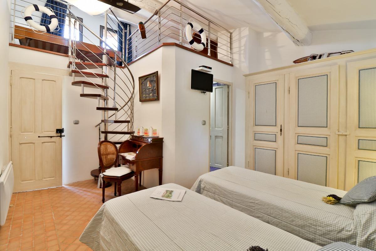 Calanques -  2 lits sur mezzanine - Chambre d'hôtes - Lagnes