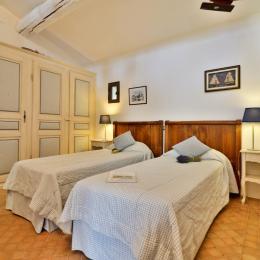 Calanques - rez-de-chaussée - Chambre d'hôtes - Lagnes