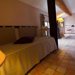 ©M.ALLOUIN PREVOTE - Chambre d'hôte - L'Isle-sur-la-Sorgue