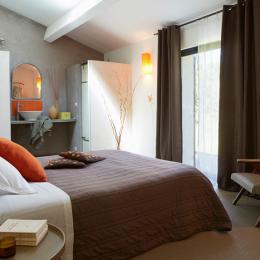Chambre 2 pour 2 personnes avec terrasse privée . - Chambre d'hôtes - Sarrians