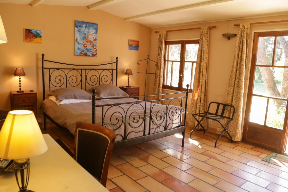 Mas La Provence - Chambre Sorgue, chambre d\'hôtes à L\'Isle ...