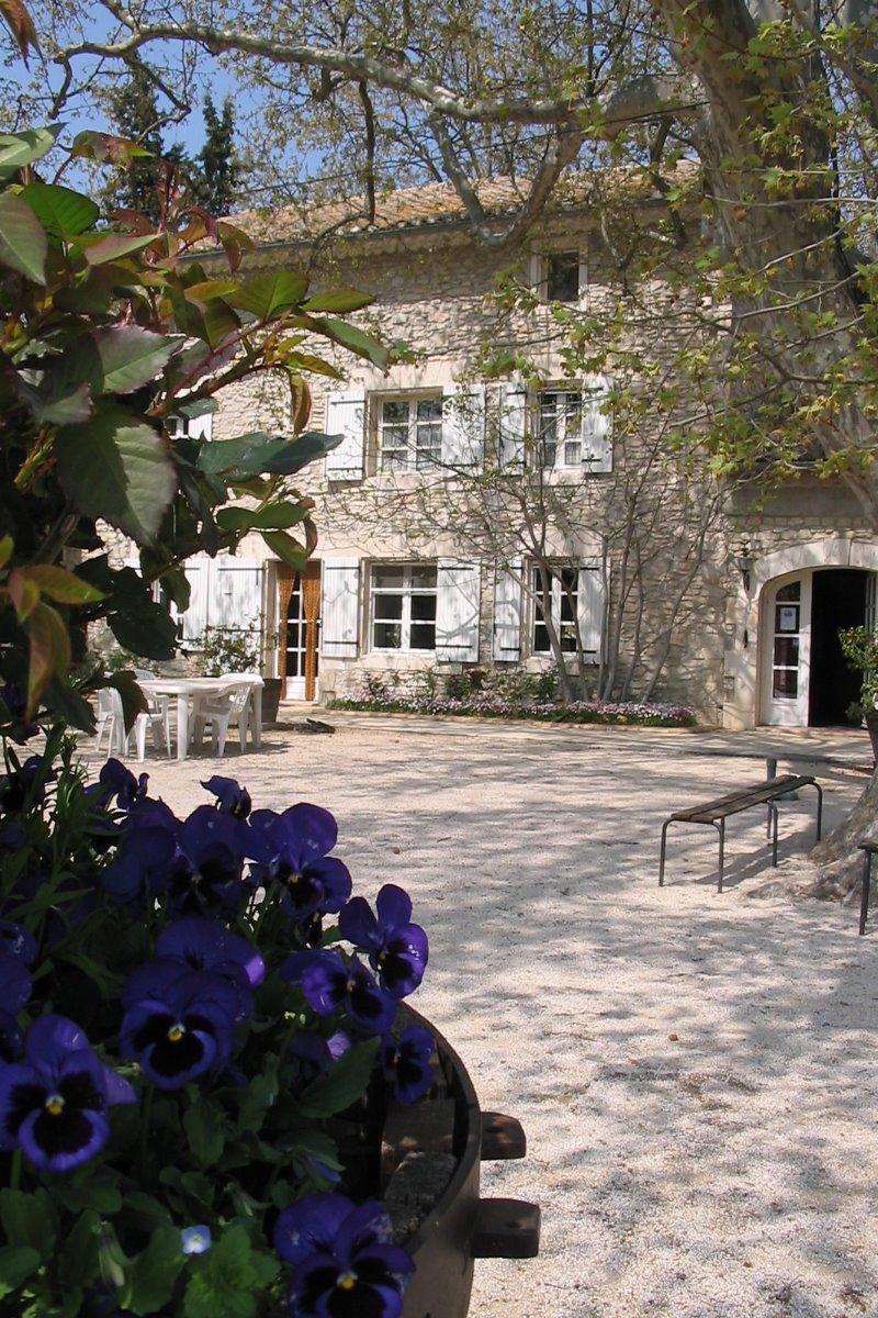 Mas des Vertes Rives, Ferme Auberge  - Chambre d'hôtes - Châteauneuf-de-Gadagne