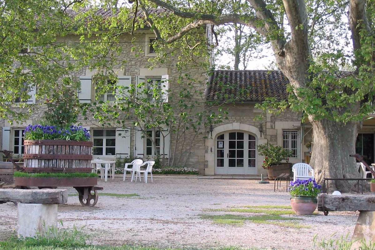 Le Mas des Vertes Rives - Chambre d'hôtes - Châteauneuf-de-Gadagne