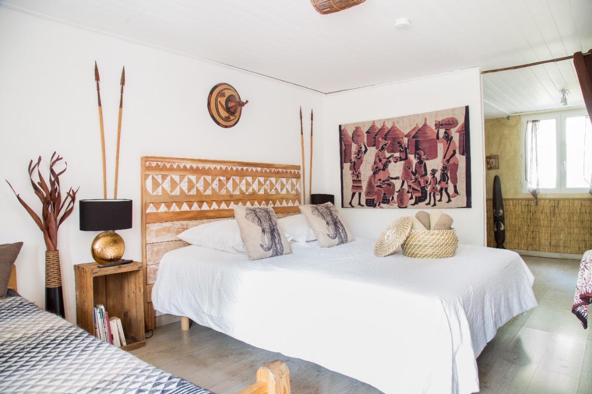Chambre Batik avec lit d'appoint supplémentaire. - Chambre d'hôtes - Avignon