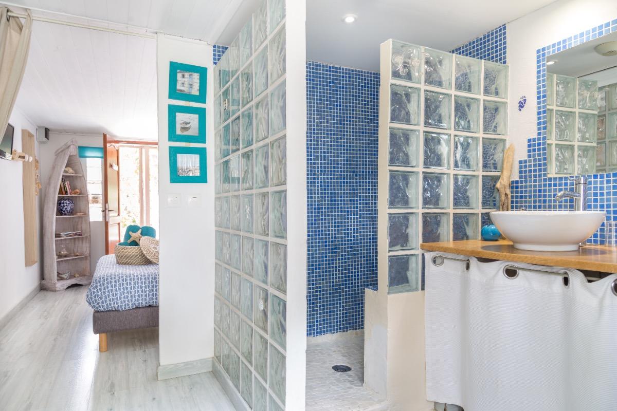 Salle de bain Azur - Chambre d'hôtes - Avignon