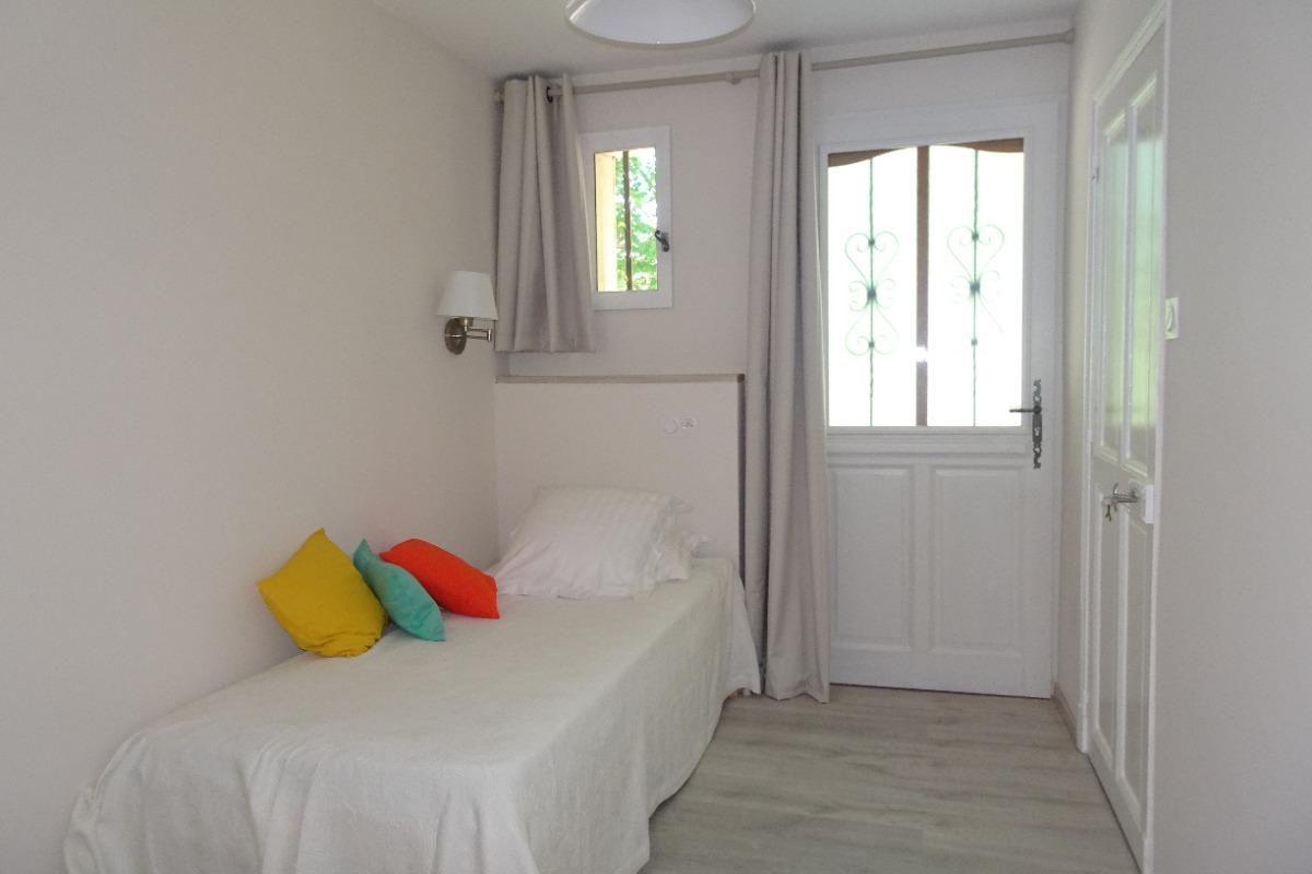 Chambre Poussin      - Chambre d'hôtes - Avignon Montfavet