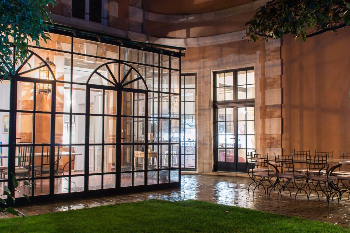 Au Coeur D Avignon Chambre Palais Des Papes Chambre D Hotes A