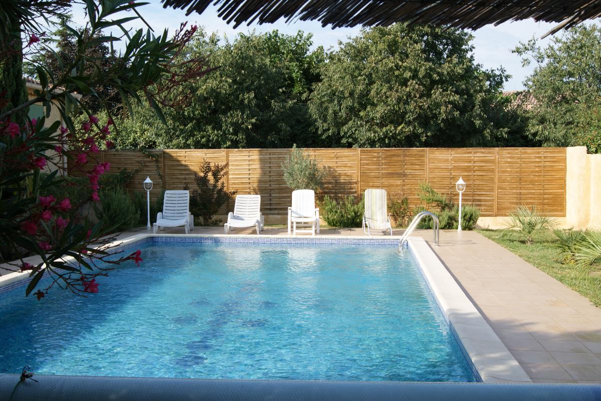 La piscine chauffée de 10m par 5m avec 1m50 de profondeur - Location de vacances - Lapalud