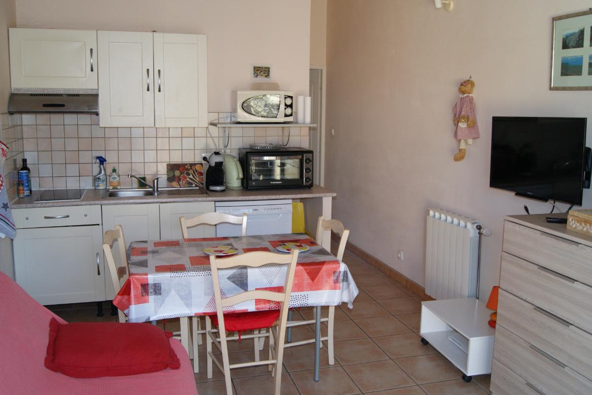 Coin cuisine et séjour - Location de vacances - Lapalud