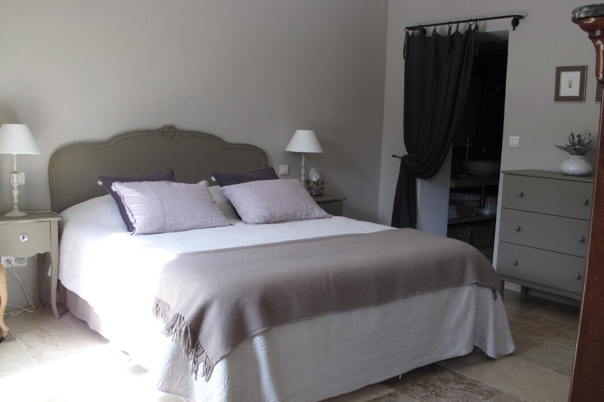 Mas de l 39 olivier chambre la terrasse chambre d 39 h tes - Chambre d hote divonne les bains ...