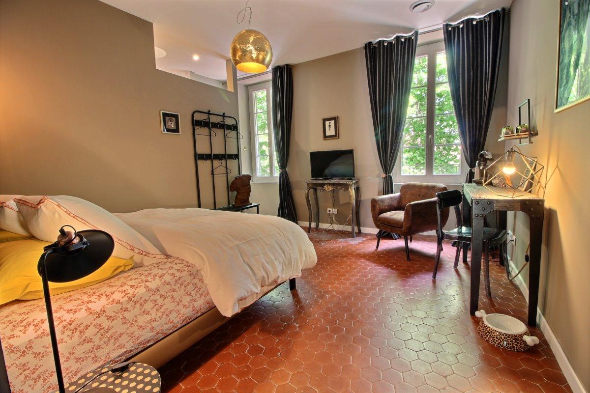Effets Personnels - Chambre Lucien, chambre d\'hôtes à Orange ...