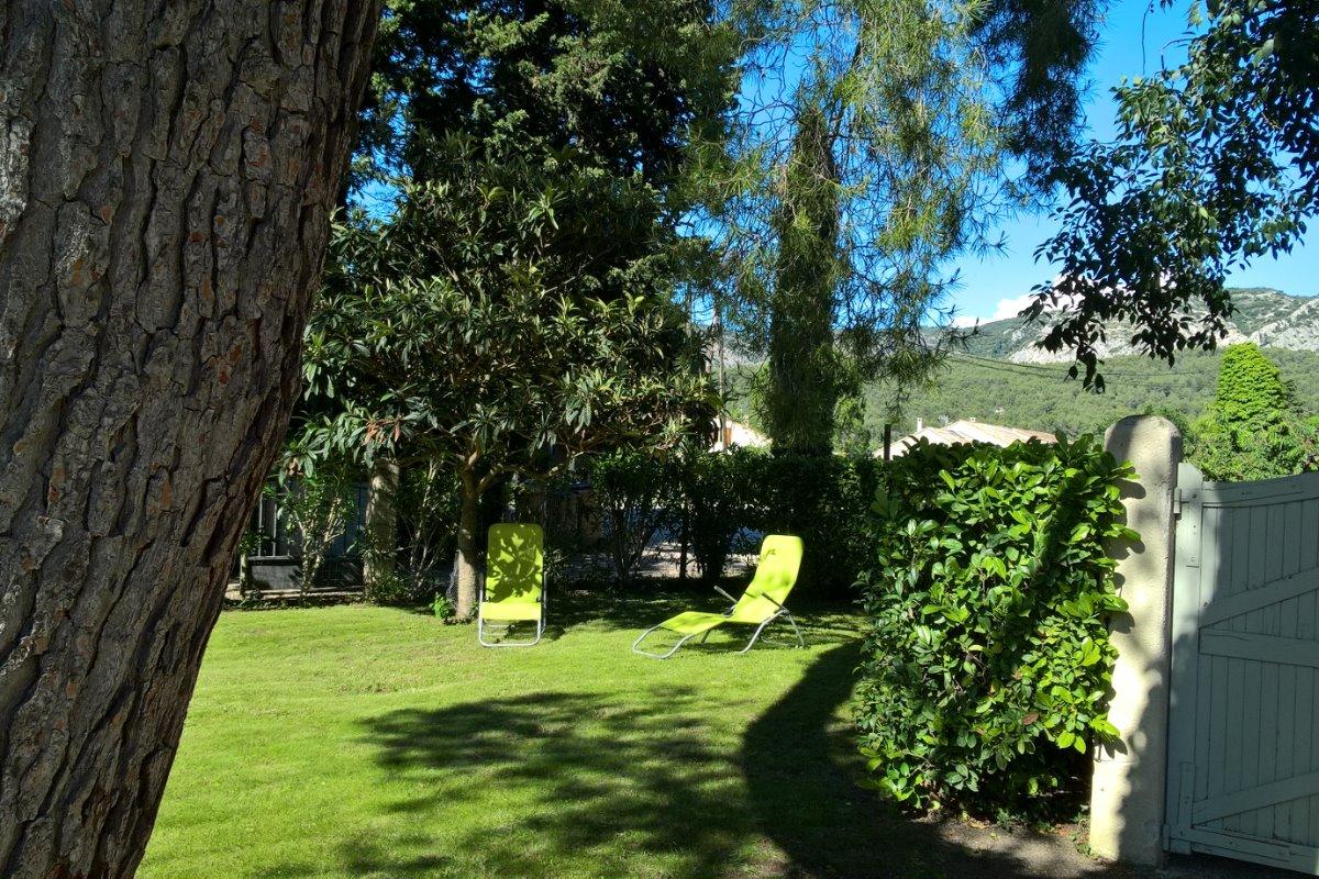 Extérieur côté jardin - Location de vacances - Cheval-Blanc